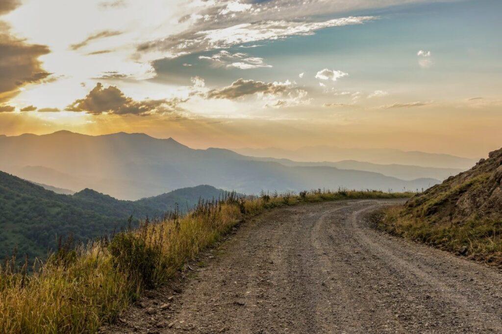 droga do Bakuriani, gruzińskie bezdroża Gruzja