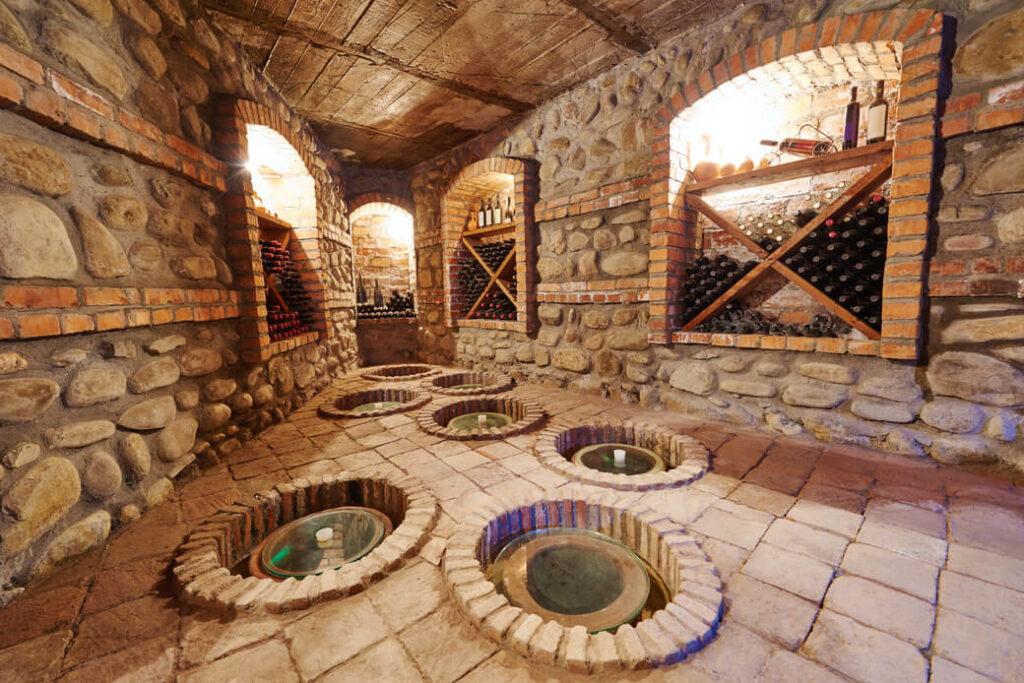 piwniczka-kwewri-Gruzja-wino