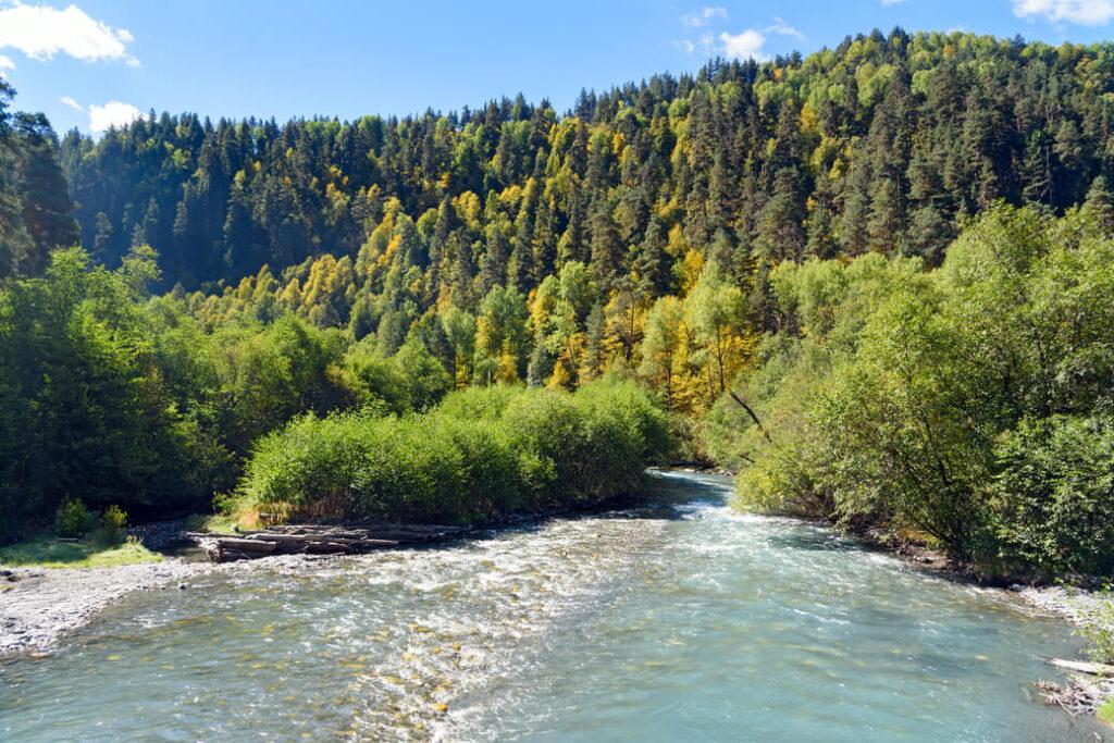 Biwak-nad-rzeka-Alazani