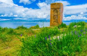 Chaczkar-kamienny-krzyz-Armenia