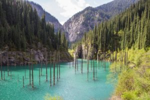 Jezioro-Kaindy-Kazachstan