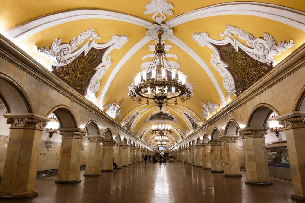 Metro-Moskwa-stacja-Komsomolskaja