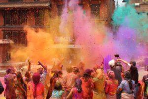 Festiwal-holi-Indie-kolorowy-puder
