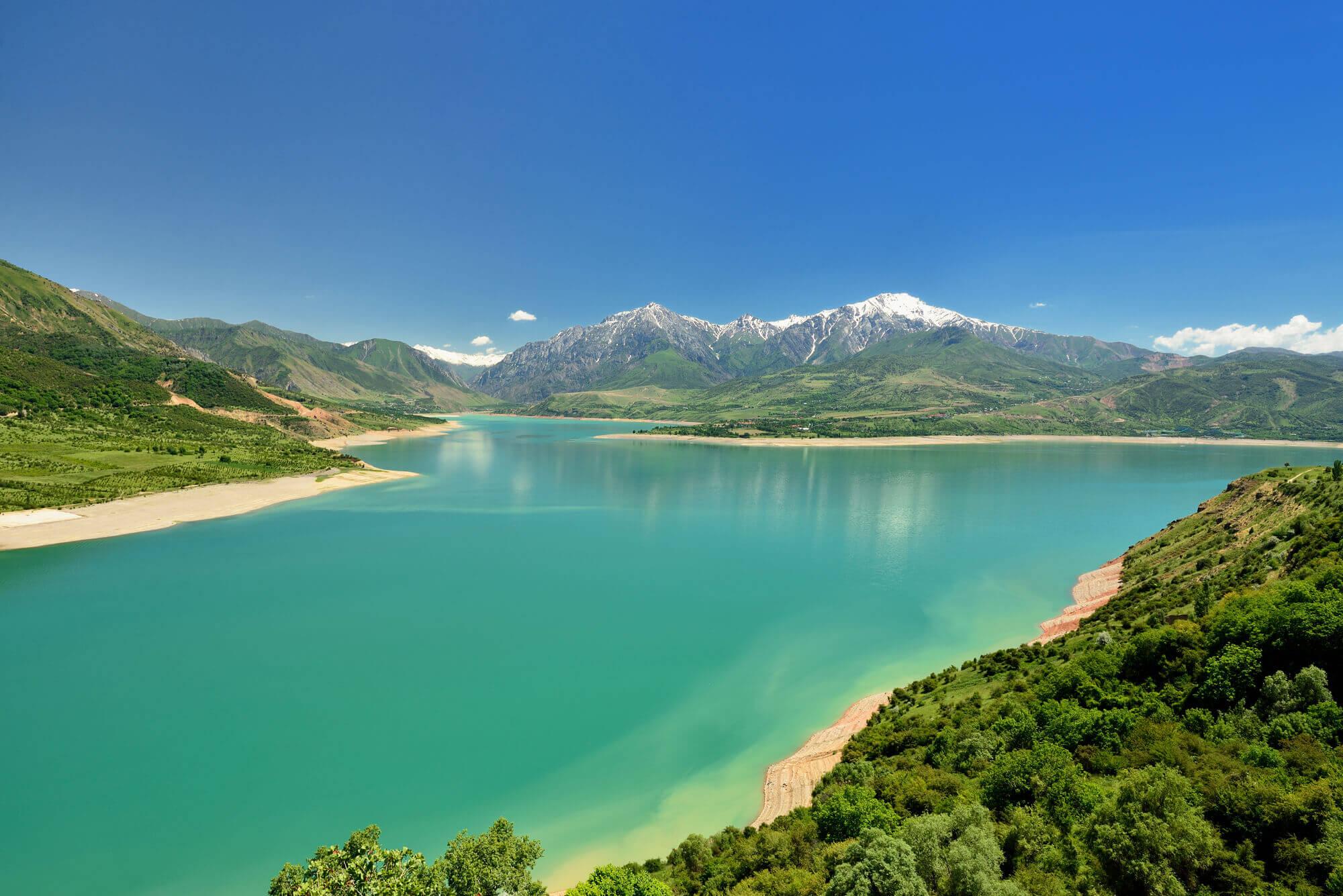Jezioro-Charvak-Uzbekistan