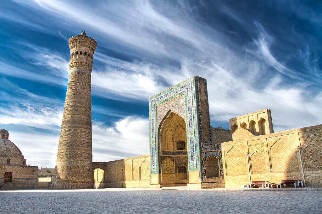 Kalyan-minaret-meczet-buchara-uzbekistan