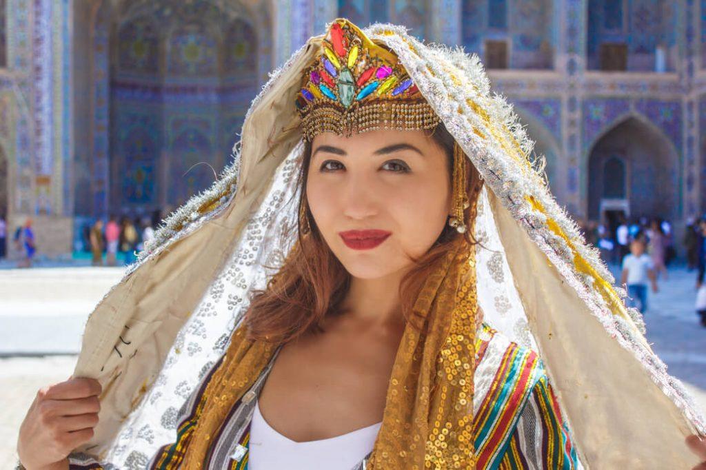 Uzbecka-kultura-tradycje-ludowe-folk