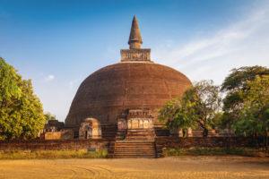 polonnaruwa-rankot-vihara-sri-lanka