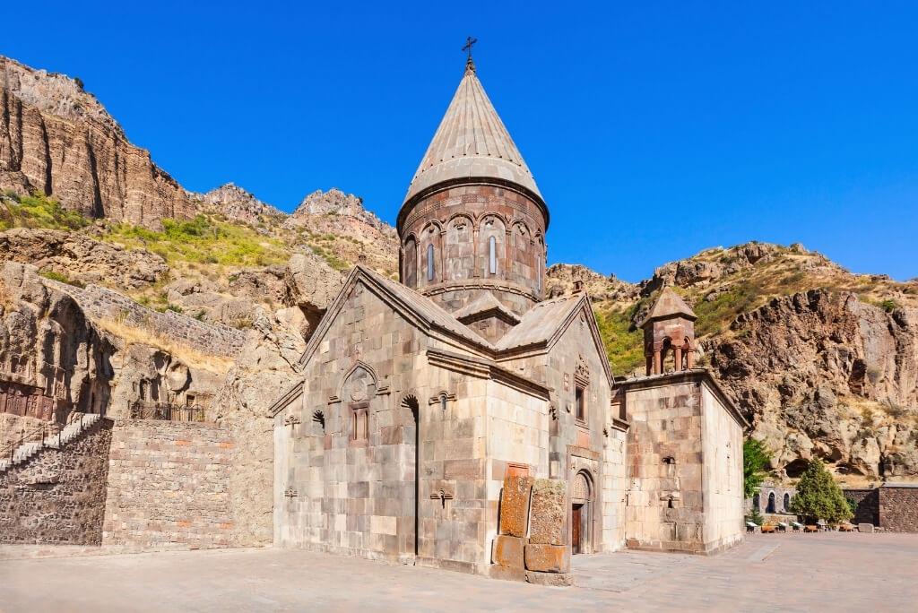 klasztor geghard armenia